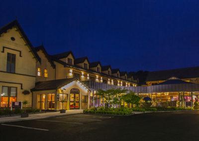 hotel-at-night