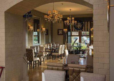 Reyanrd's-Restaurant-2